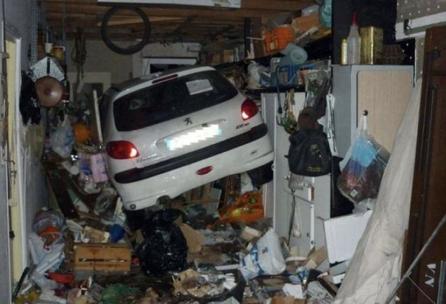 Gegen die Garage voller Gerümpel - Entrümpelung in Troisdorf, Bonn, Köln und Umgebung.